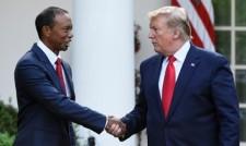 """Доналд Тръмп връчи """"Президентския медал на свободата"""" на Тайгър Уудс (видео + снимки)"""